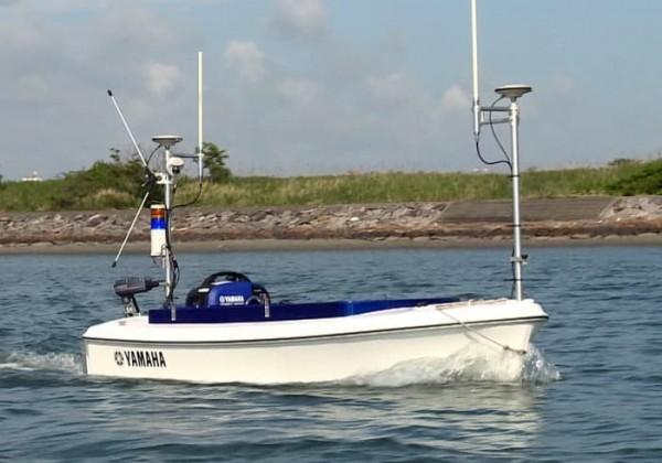Breeze10: роботизированная лодка с электрическим мотором