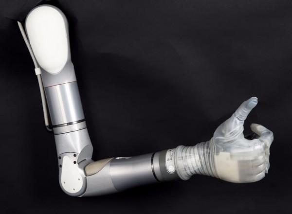 LUKE arm — бионический протез, названный в честь Люка Скайуокера