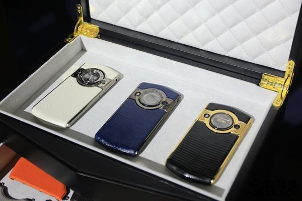 8848 Titanium M3 — роскошный смартфон из Поднебесной