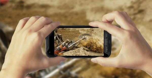 Kyocera DuraForce Pro: защищенный смартфон с экшен-камерой