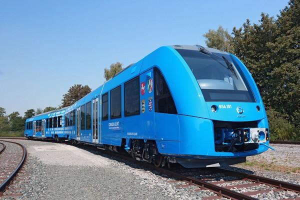 Германия запустит поезд на водородном топливе