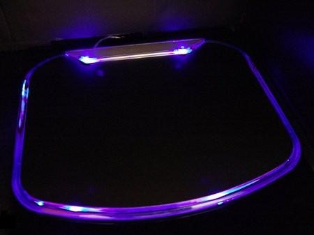Подсвечиваемый коврик для мыши с USB-портами