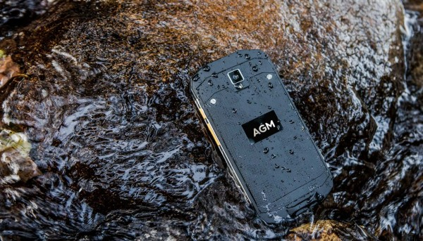 AGM A8 — простой «неубиваемый» смартфон