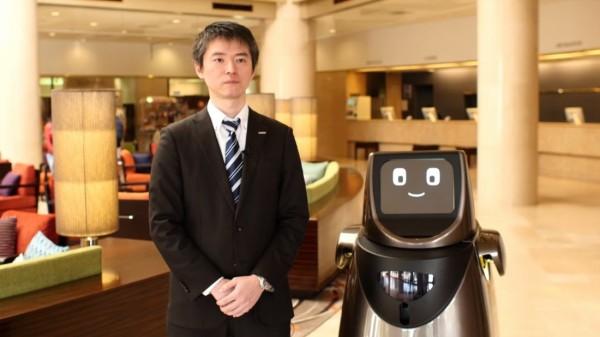Роботы Panasonic помогут туристам в аэропортах