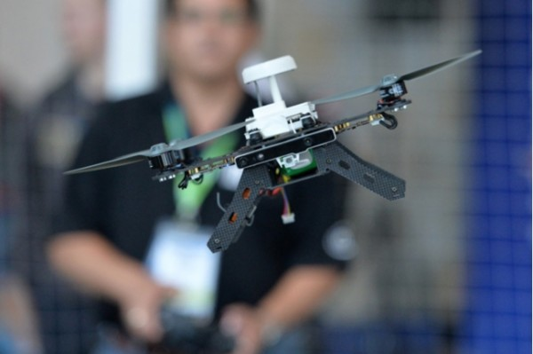 Aero Ready to Fly — программируемый дрон от Intel