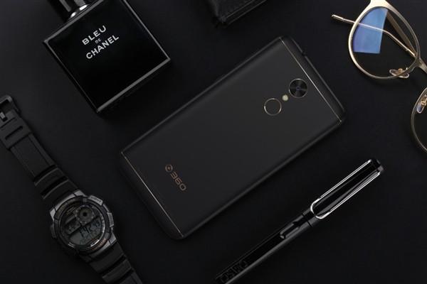 360 N5 — смартфон с 6 ГБ оперативной памяти