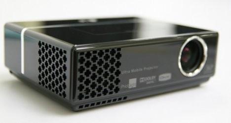 Мобильный проектор LG HS102