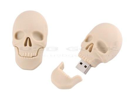 Флешка в виде черепа