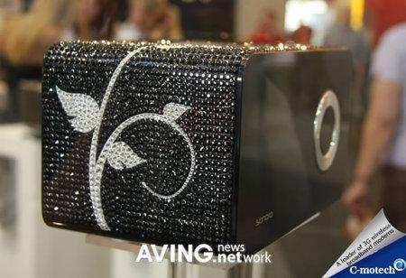 Sonoro – радио с кристаллами Swarovski