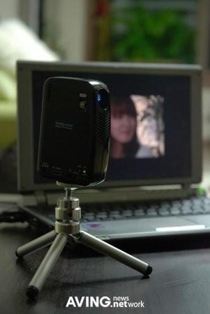 Мобильный проектор от ENMOTU