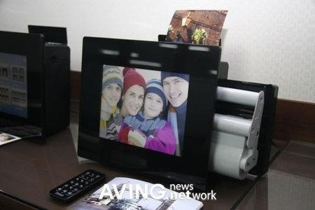 Цифровая фоторамка с принтером от Prinics