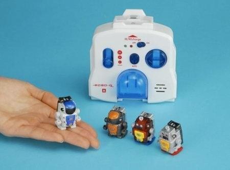 Tomy Robo-Q – самые маленькие двуногие роботы в мире