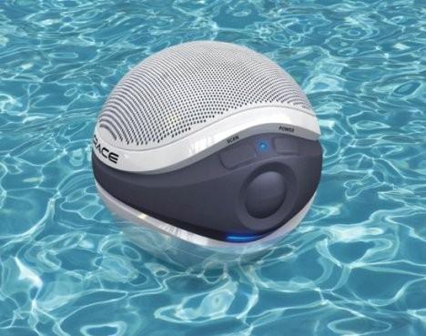 Aqua Sounders – плавающая колонка