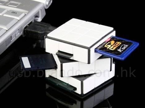 USB кард-ридер в виде Кубика Рубика