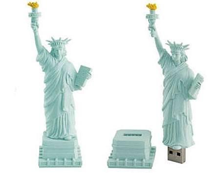 Флешка в виде статуи Свободы