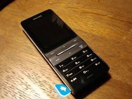 Philips X550 - долгоживущий телефон