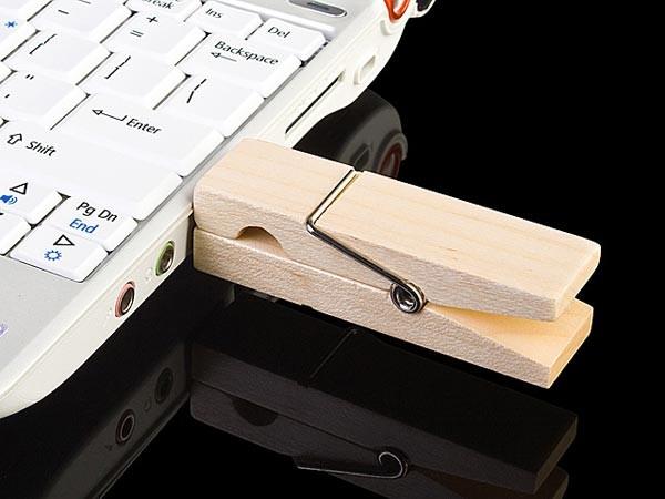 Флешка-прищепка Clothes Pin USB Drive