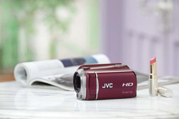 Компактная HD-видеокамера JVC Everio GZ-HD620 HD