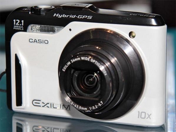 GPS-фотоаппарат Casio EX-10HG