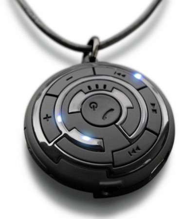 Bluetooth-кулон от TokyoFlash