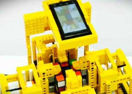 Motorola Droid решает кубик Рубика всего за 25 секунд