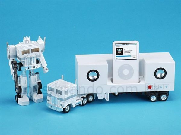 Док-станция в виде трансформера Convoy iPod Dock