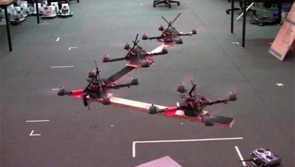 Квадрокоптеры теперь летают стаями
