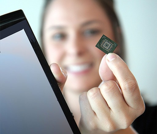 SanDisk: 64Гб SSD размером с почтовую марку