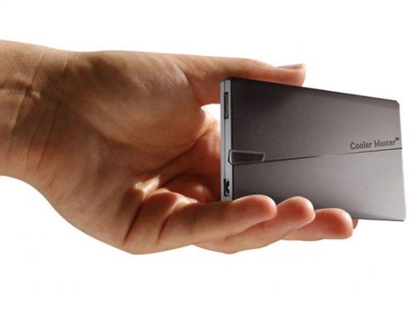 Самый компактный «ноутбучный» адаптер от CM