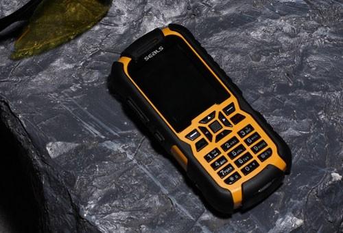 Прочный телефон VR7 от Seals Technologies