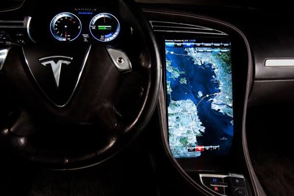 Tesla Model S получит 17'' дисплей и чип Tegra