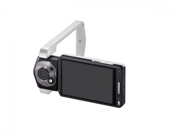 Цифровая видеокамера Casio Tryx