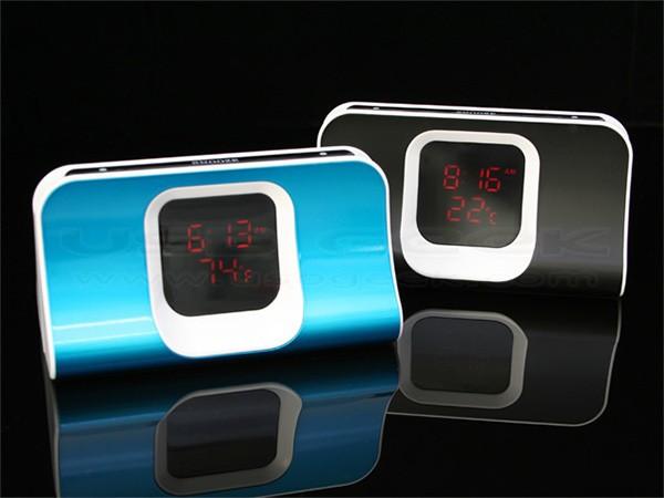 USB-хаб с будильником