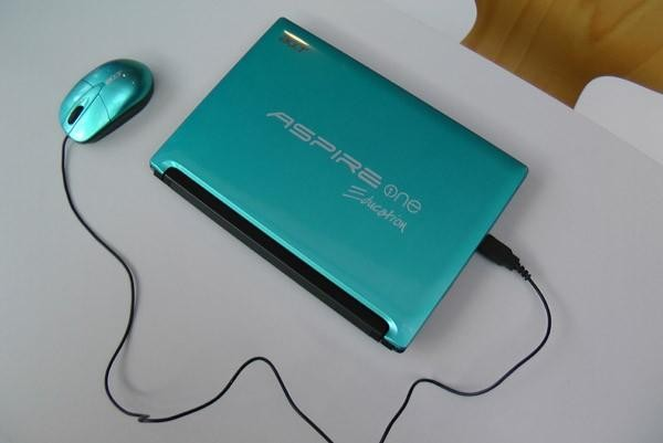 Acer Aspire One E100 – нетбук с двумя ОС