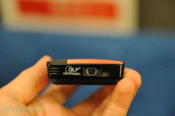 TI демонстрирует пикопроектор, питающийся от USB