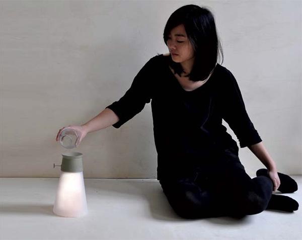 Светодиодная лампа WAT, работающая «на воде»