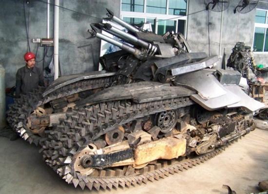 Китаец построил пятитонную модель танка забавы ради
