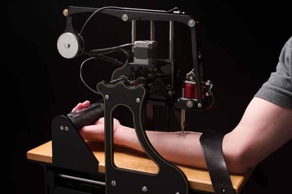 Автоматическая тату-машина со случайным выбором рисунка