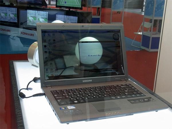 Samsung показала ноутбук с прозрачным 14'' дисплеем