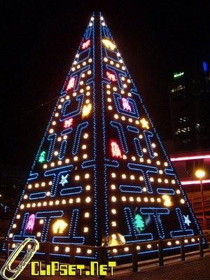 Рождественская елка в стиле Pac-Man
