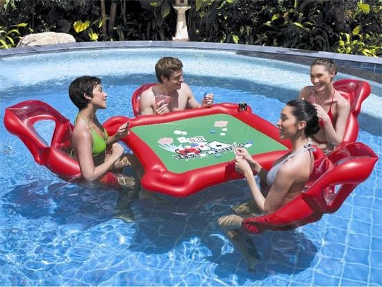 Покерный стол для бассейна
