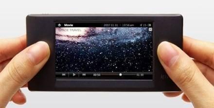 Новый медиаплеер iRiver W7