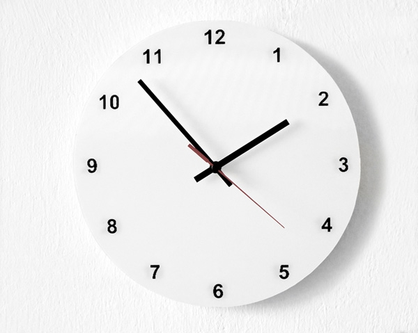 Настенные часы с «переводным циферблатом»