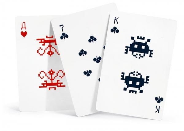 Игральные карты «Космические захватчики» от Артемия Лебедева
