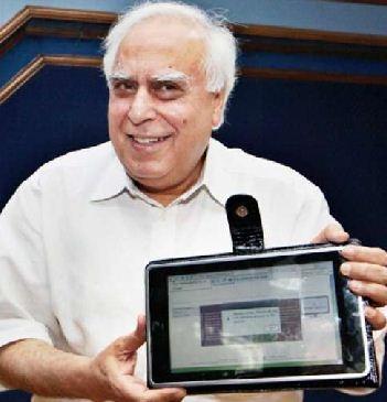 Индия обещает запустить планшеты за 35 $ уже в октябре