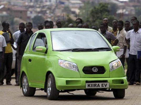 Студенты представляют Kiira EV – первый электрокар Уганды
