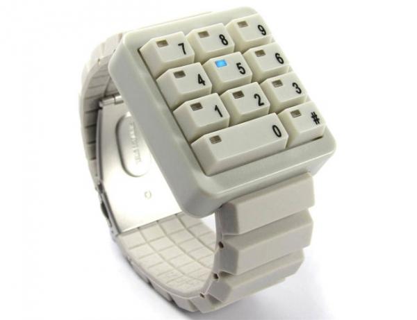 Необычные часы Click Keypad Watch