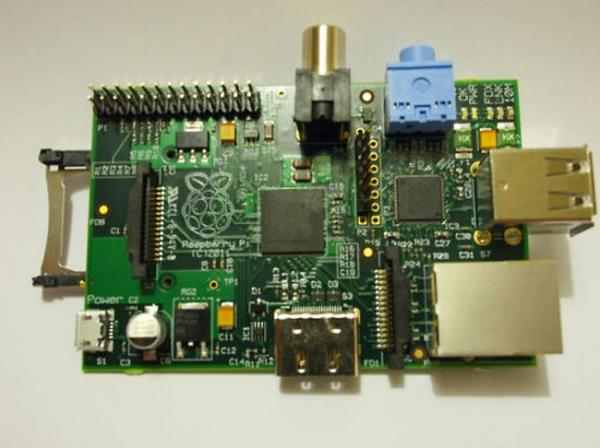 Мини-компьютер Raspberry Pi запущен в производство