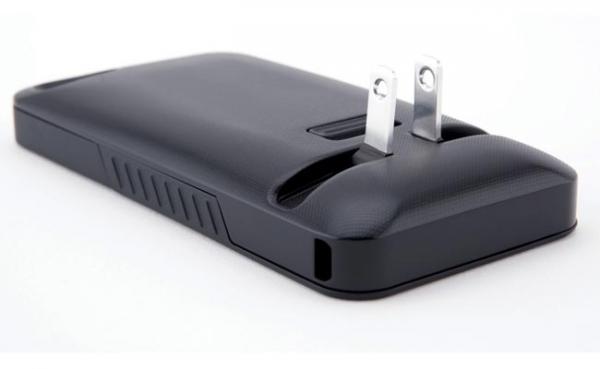 JuiceTank – корпус дляiPhone со встроенным зарядным устройством