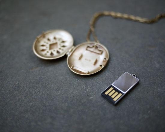 USB Locket – держите важные файлы ближе к сердцу